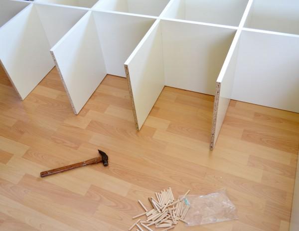 セルフ組立家具の、意外な強みを生かして収納しましょう